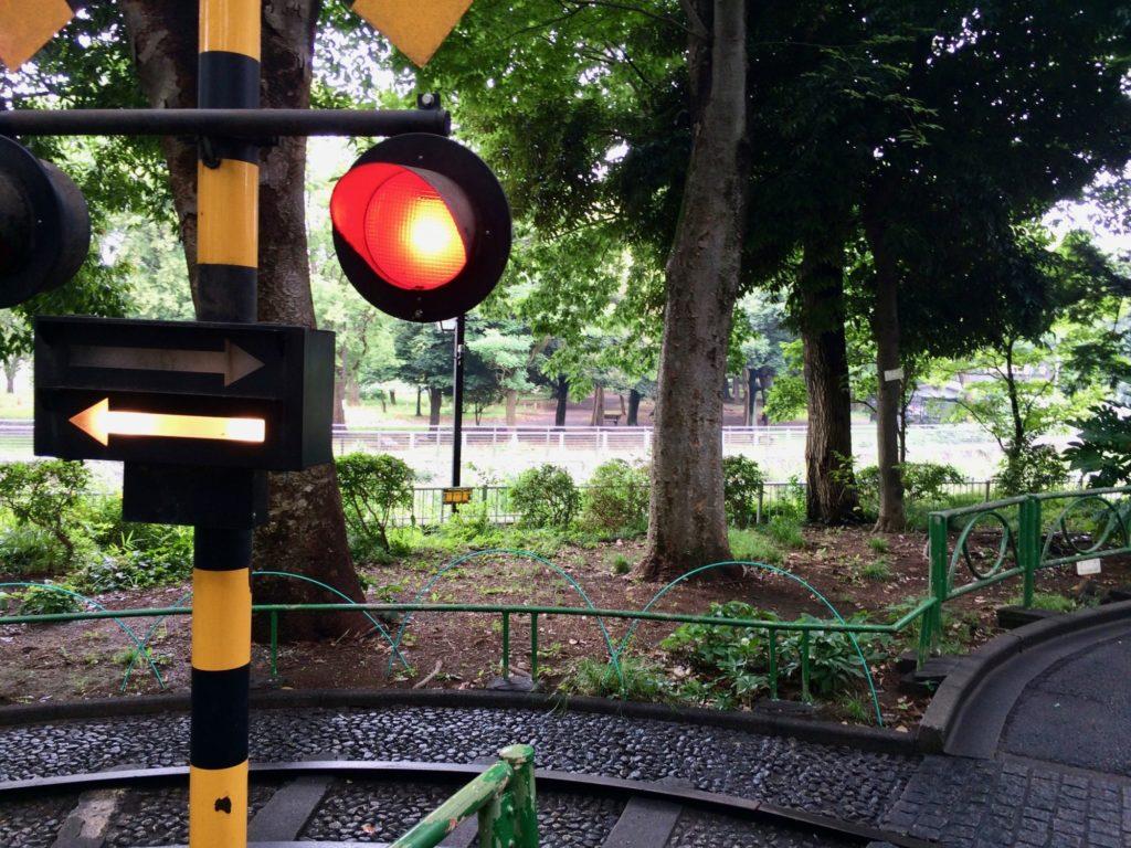 児童交通公園より川