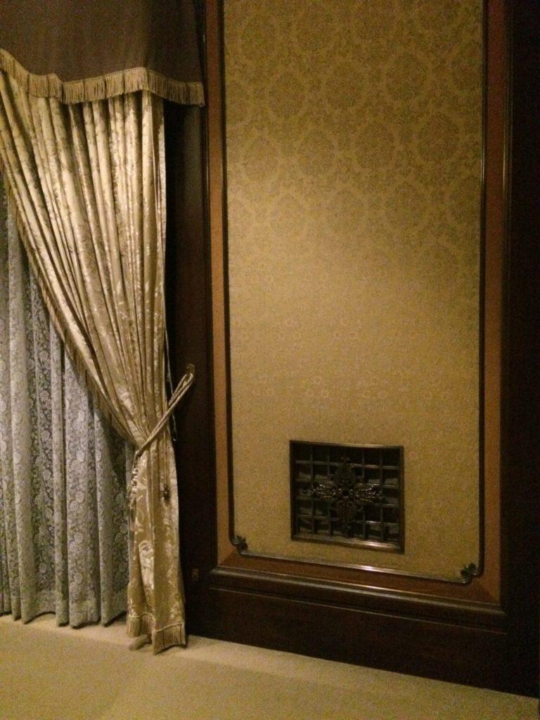 東博根付の部屋